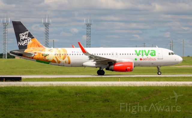 Airbus A320 (XA-VAX) - Viva A320 in the lion special livery departing RWY 36C.