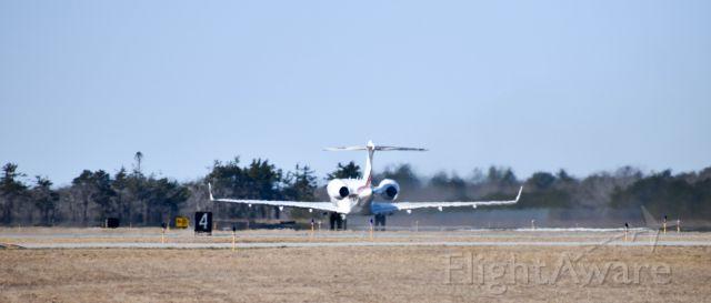 Bombardier Global 5000 (N100QS)