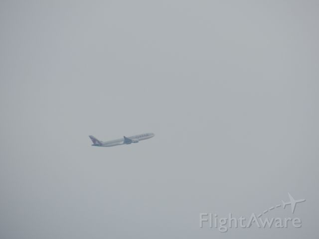 Airbus A330-200 — - An A330-200 of Qatar Airways is Just taking off from Tunis-carthage airport ( 11-06-2011)