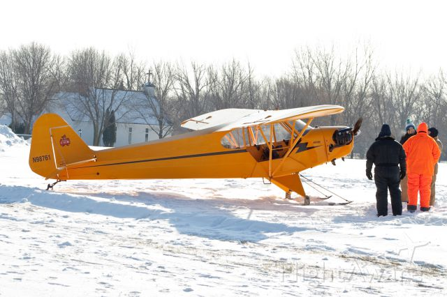 N98761 — - First arrival at the 2011 EAA Skiplane fly-in.