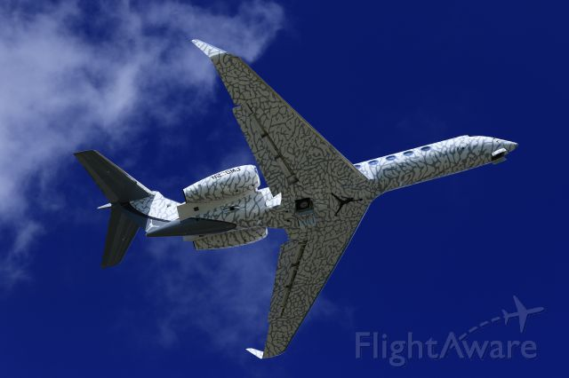 Gulfstream Aerospace Gulfstream V (N236MJ) - Jump man N236MJ departing TNCM St Maarten