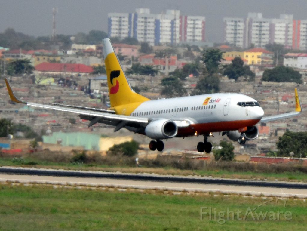 Boeing 737-700 (D2-EVW) - SOR611 from FNCT to FNLU landing R23