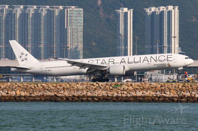 BOEING 777-300ER (9V-SWJ)
