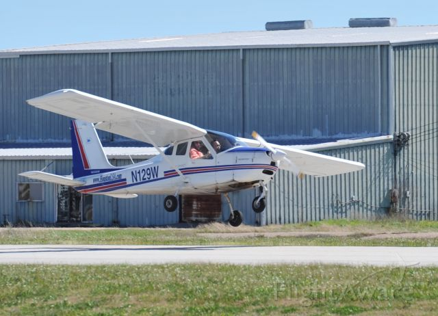 N129W — - Tecnam P-92 Echo Super, breezy takeoff, runway 27 KAXH