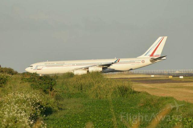 Airbus A340-200 (F-RAJA)