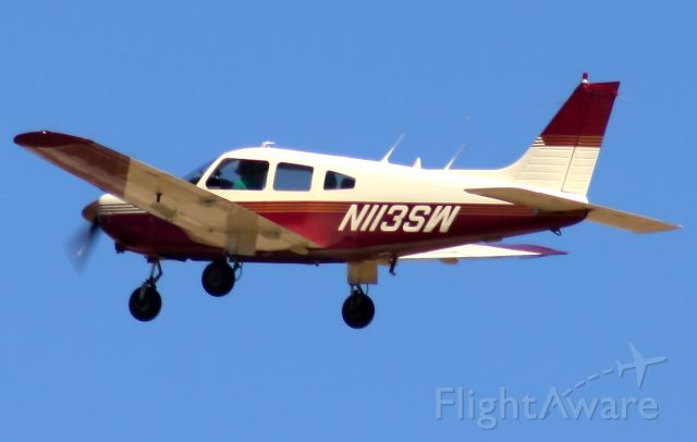 Piper Cherokee (N113SW)