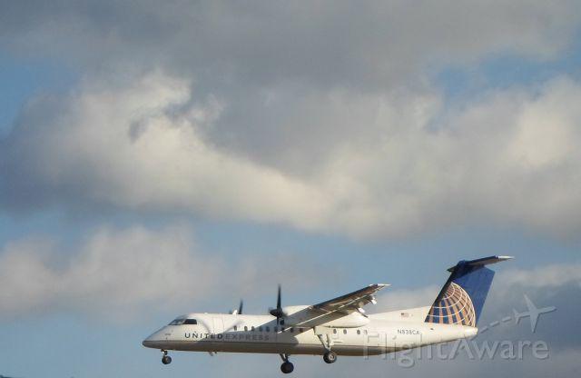 de Havilland Dash 8-300 (N838CA) - A United Express (Commutair) de Havilland Dash 8 arrives at Albany International Airport on a cold winter afternoon.