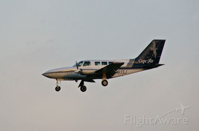 Cessna 402 (N6813J) - N6813J  10/10/11