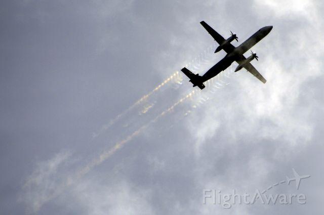 de Havilland Dash 8-400 (LX-LGF)