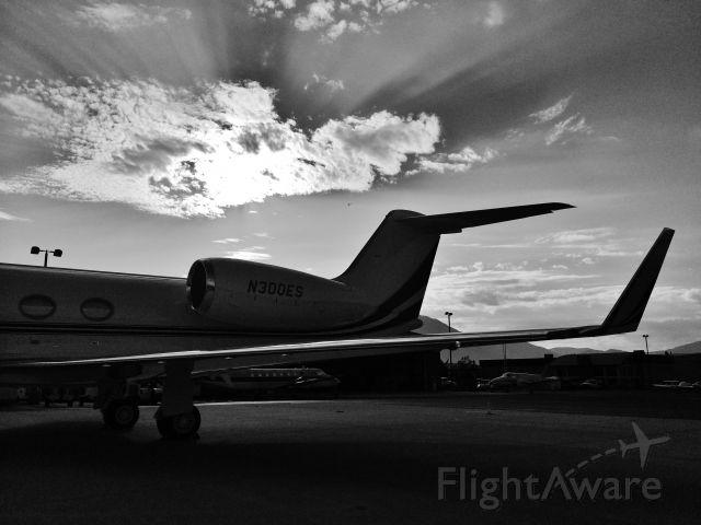 Gulfstream Aerospace Gulfstream IV (N300ES)