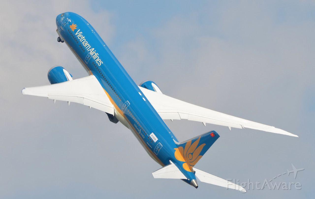 Boeing 787-9 Dreamliner (N1020K)