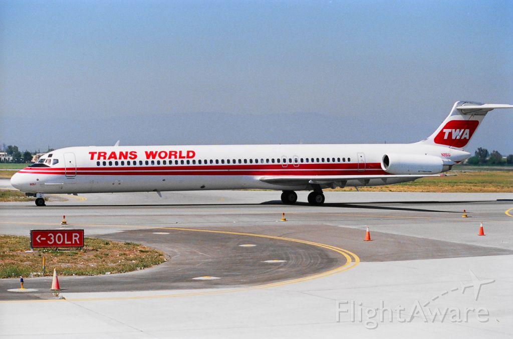 McDonnell Douglas MD-82 (N951U) - N951U taxi