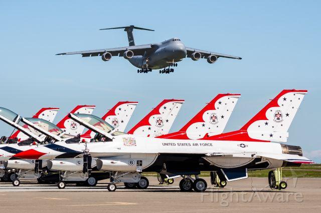 Lockheed F-16 Fighting Falcon (92-3898)