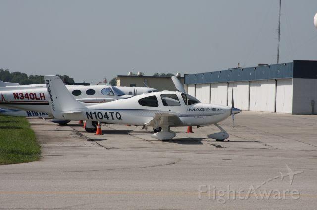 Cirrus SR-22 (N104TQ) - Huntsville International Airport