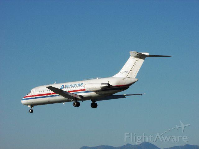 Douglas DC-9-10 (N784TW) - Landing RWY 30