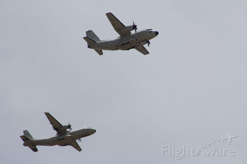 — — - desfile aéreo 5 de mayo 2014