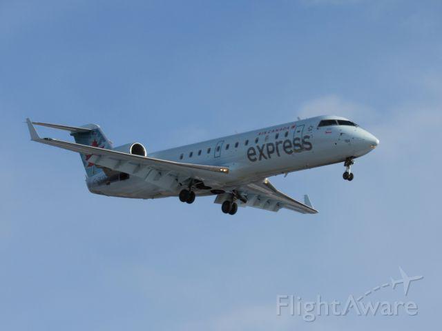 Canadair Regional Jet CRJ-200 (C-GKER)