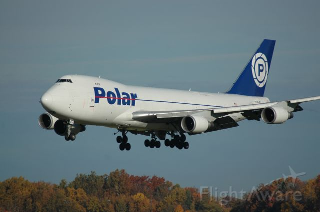 Boeing 747-400 (N454PA) - my favort aircraft on a fall time short final for 18L this is PAC 946 Heavy      i can be reached at Truck10FMFD@aol.com