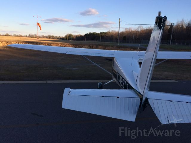 Cessna Skyhawk (N7499T) - Standing on a ladder.. because I wanted a good angle.