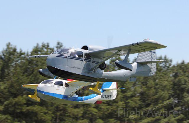 — — - Republic Seabees departing at Triple Tree Aerodrome
