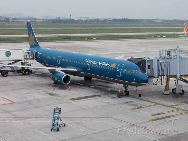 Airbus A321 — - A Vietnam Airlines A321 at it's gate at the Noi Bai International Terminal getting prepared for it's flight.