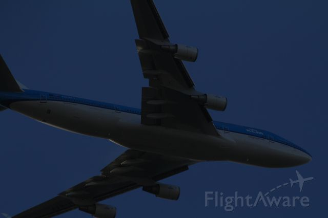Boeing 747-200 (PH-BFF) - Boeing 747-406, KLM, will land on the Aalsmeerbaan at Schiphol. The origin of the flight Tokyo (Japan).