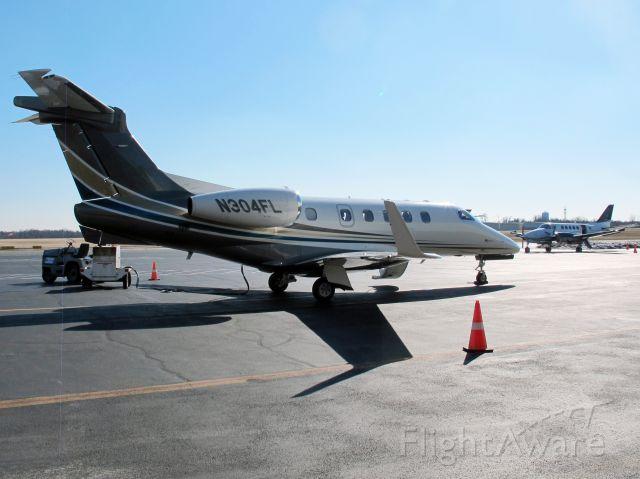 Embraer Phenom 300 (N304L)