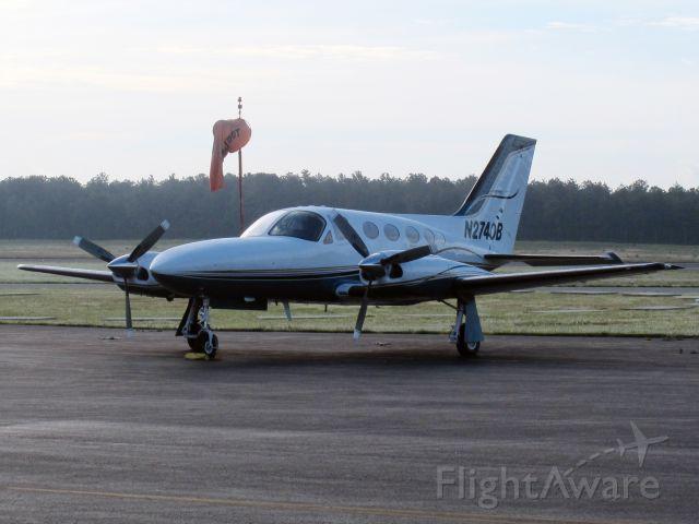 Cessna 421 (N2740B)
