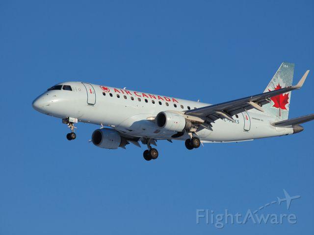 Embraer 170/175 (C-FEKS)