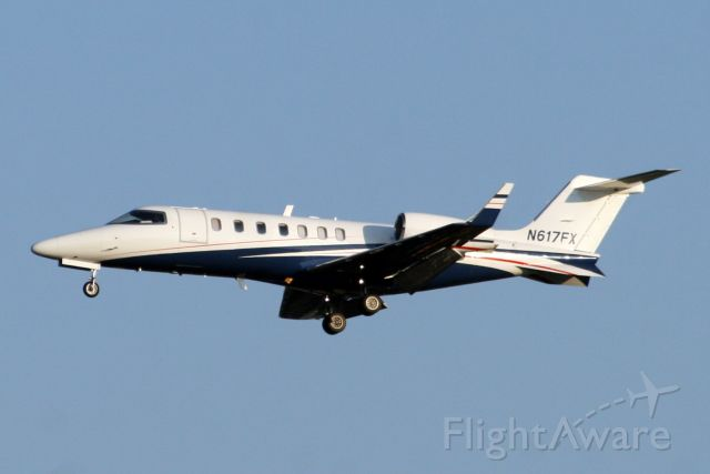 Learjet 40 (N617FX) - 31-Jul-07