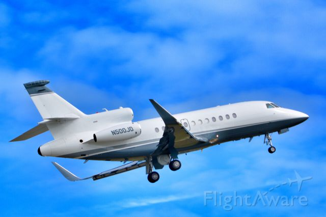 Dassault Falcon 900 (N500JD) - Very cared for Falcon 900 departing home base