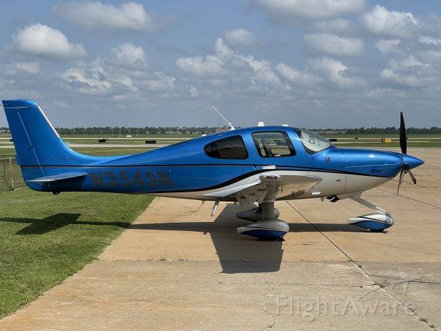 Cirrus SR22 Turbo (N354SN)