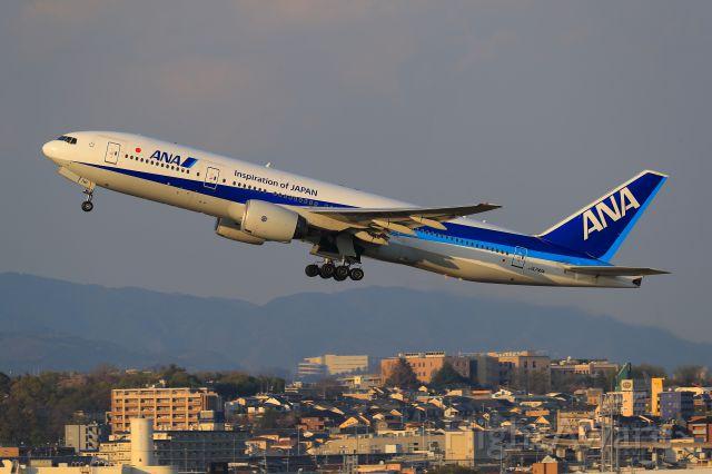 Boeing 777-200 (JA741A)
