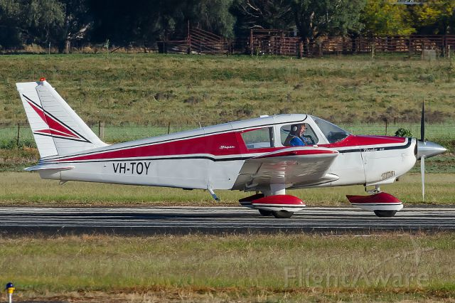 Piper Cherokee (VH-TOY)