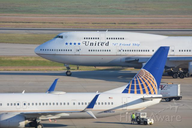 Boeing 747-200 (N118UA) - Old and New,,,,Employee 747 Farewell flight 10/18/2017