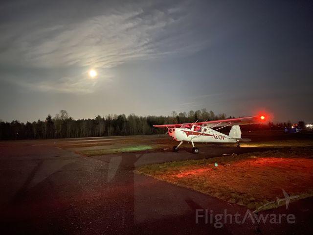 Cessna 140 (N3701V) - Got all the lights working!