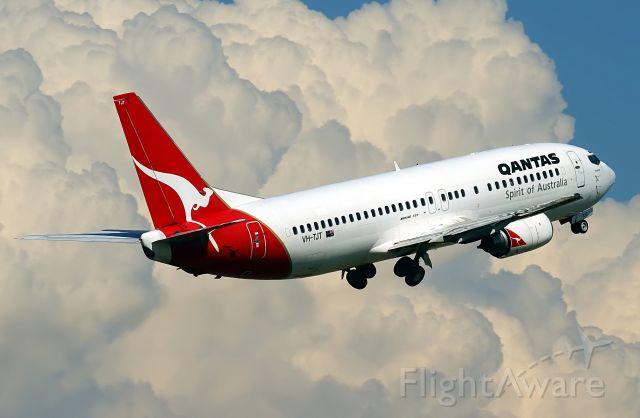 BOEING 737-400 (VH-TJT)