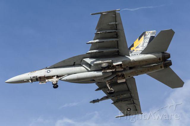McDonnell Douglas FA-18 Hornet (16-6895) - USN, CAG, F-18 Super Hornet on short finals.