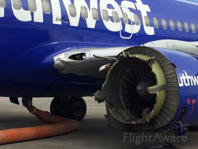 Boeing 737-700 (N766SW)