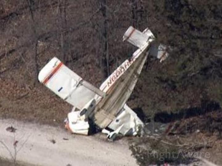 N600HH — - guess were not flying anytime soon.br /LINCOLN COUNTY, Mo. —  A single-engine plane crashed into some trees near Wolf Creek Road and State Highway U Thursday afternoonbr /a rel=nofollow href=http://www.kmov.com/story/37460533/emergency-crews-responding-to-plane-crash-in-lincoln-countyhttp://www.kmov.com/story/37460533/emergency-crews-responding-to-plane-crash-in-lincoln-county/a