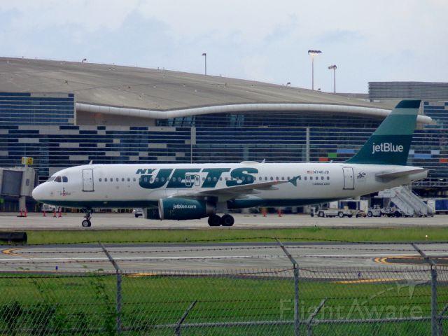 Airbus A320 (N746JB) - NY Jets
