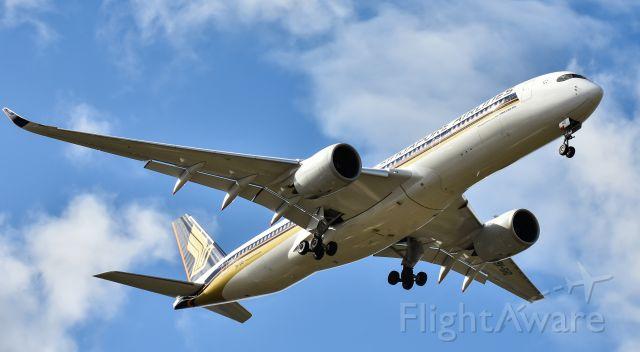 Airbus A350-900 (9V-SHD)