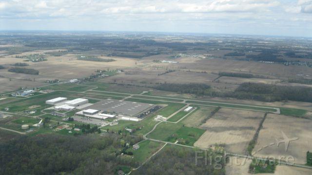 Cessna Skyhawk (N734KW) - Downwind Leg at 4D0