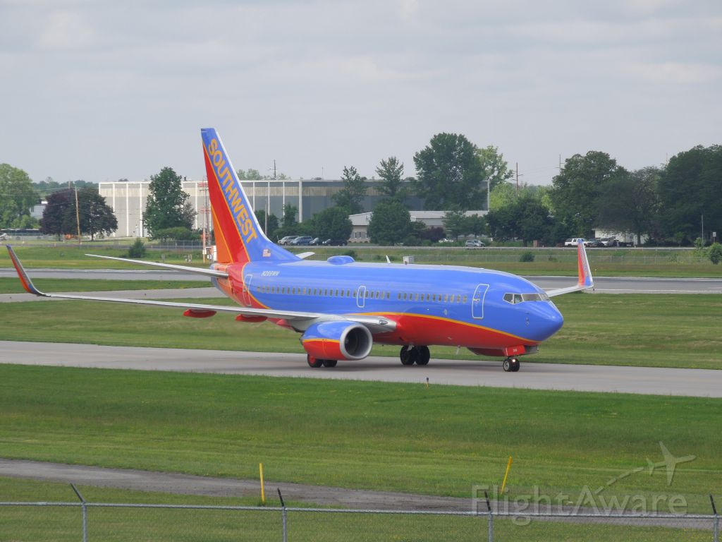 Boeing 737-700 — - SWA finally in ROC! I LUV this airline...