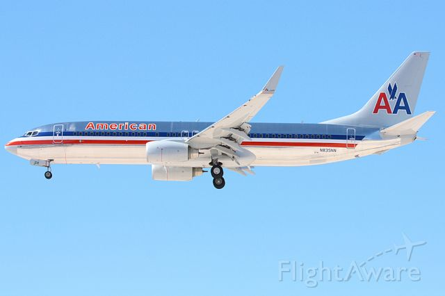 Boeing 737-800 (N835NN) - Coming in on 25L