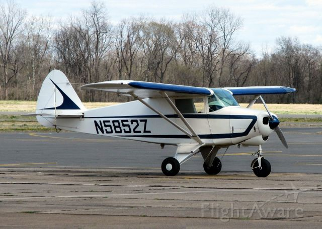 Piper PA-22 Tri-Pacer (N5852Z) - At Downtown Shreveport.