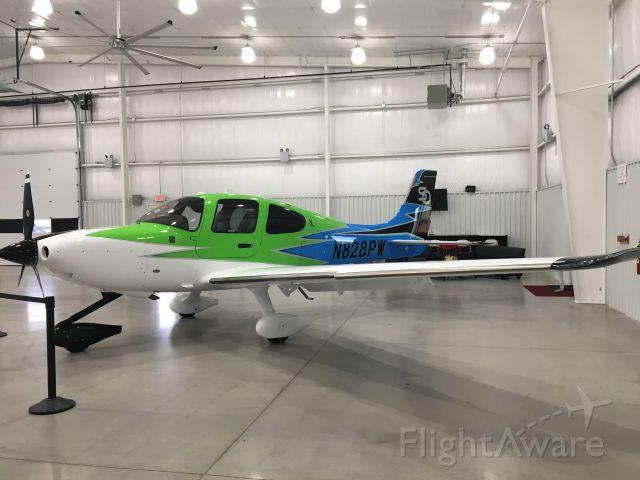 Cirrus SR-22 (N828PW) - Delivery Hangar, Cirrus Knoxville, TN
