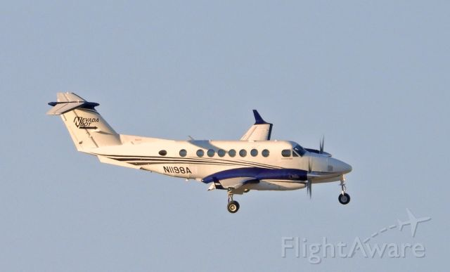 Beechcraft Super King Air 350 (N1198A) - Turning final on 27 at Carson City