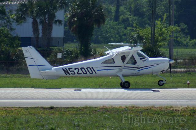 Cessna Skycatcher (N52001)