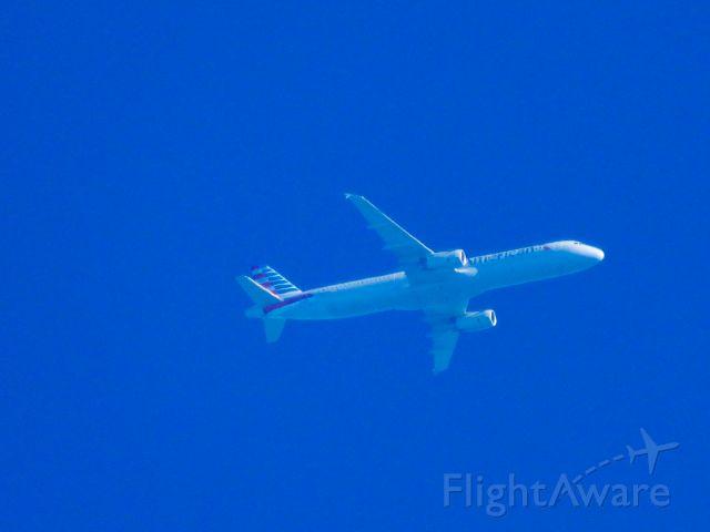 Airbus A321 (N924US) - AAL2777